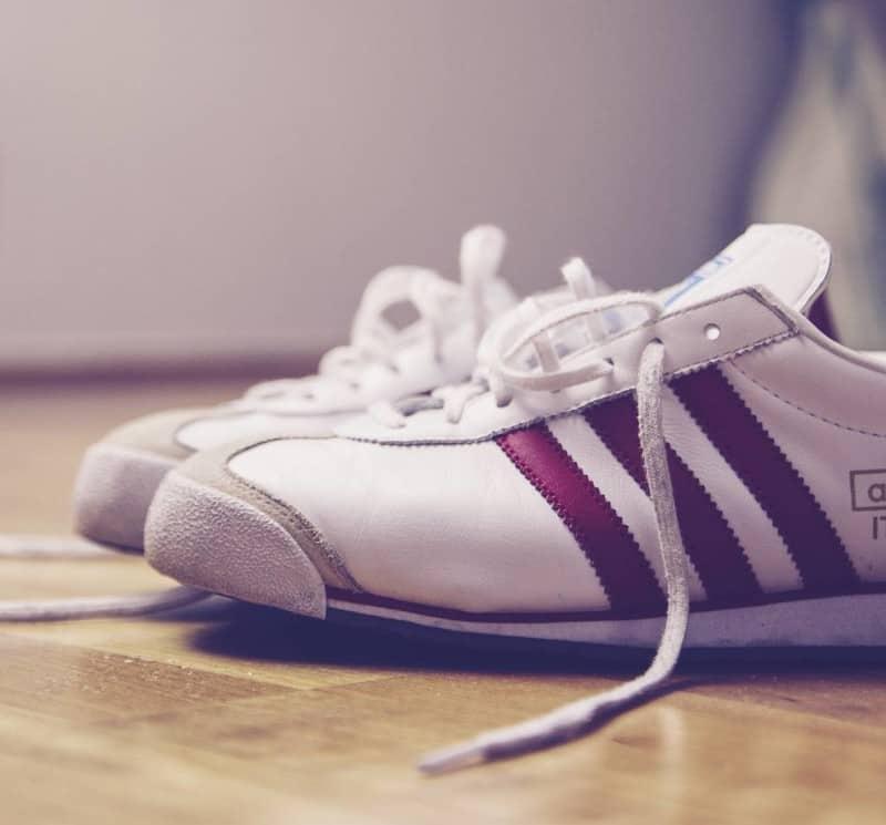 sneaker-775699_1920