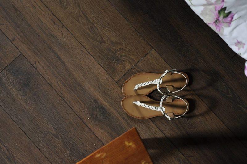 sandals-1307714_1280