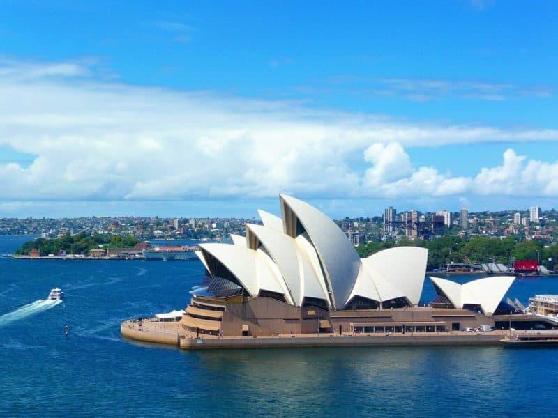 move to Australia