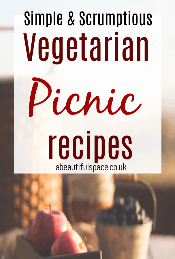 ideas for a vegetarain picnic, simple and easy recipes for a veggie picnic - perfect picnig food for plant based eaters #veggie #vegetarianrecipes #eastsimply #picnic #vegetarianpicnic #picnicideas