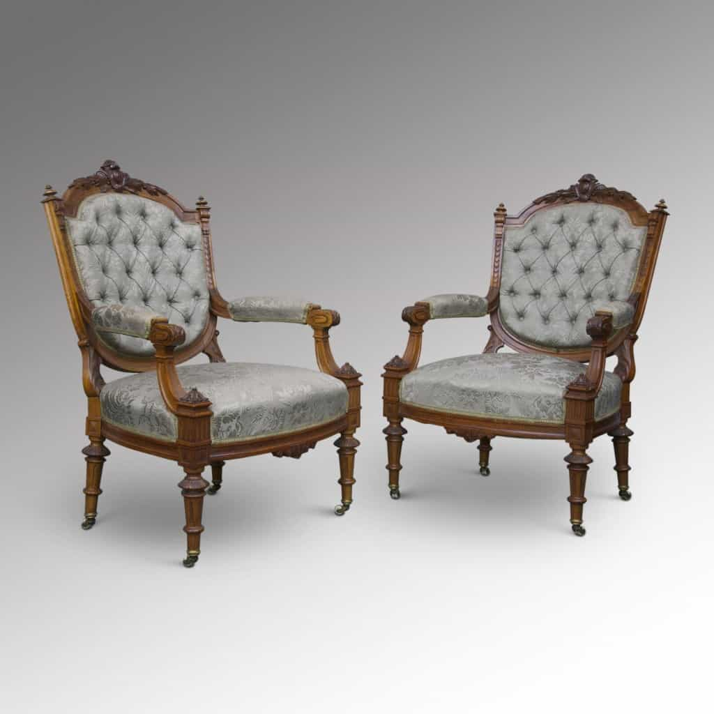 Antique chairs for the bedroom a beautiful space