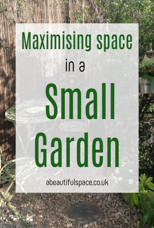 space in a small garden, how do you go about maximising and making the best use of space in a small garden. Hee are some top tips to help you #smallgarden #smallgardentips #spacesavingtips #tinygarden #gardenmakover