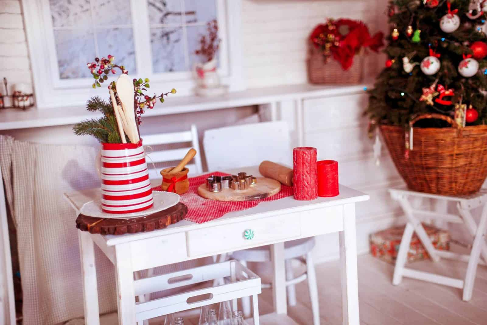 Spruce Up The Dining Room For Christmas