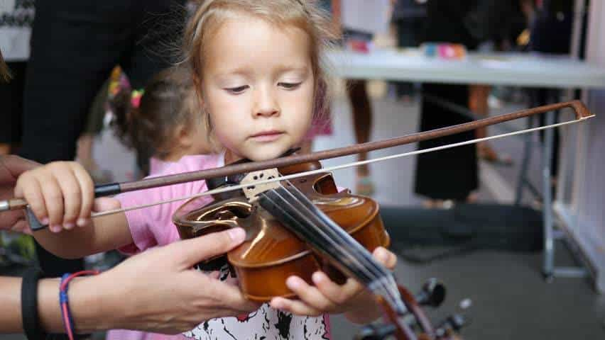 The Benefits of Signing Up Your Kids for Online Violin Lessons