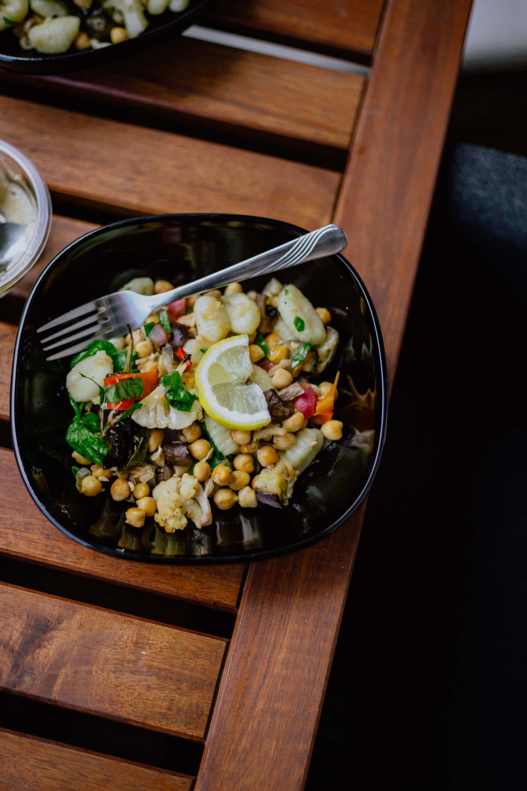 How to practice mindful eating when dining out