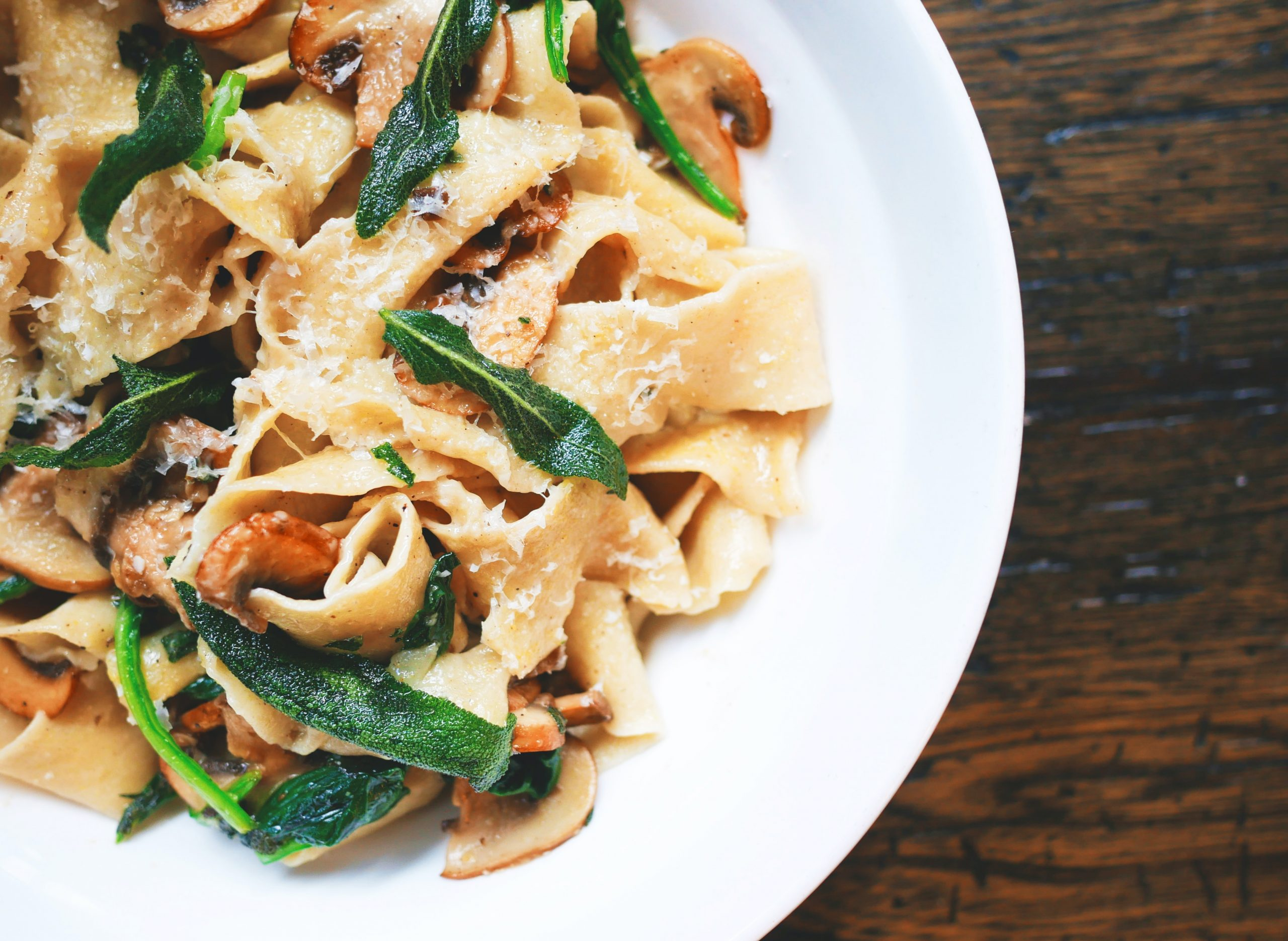 simple pasta recipes to try on a budget