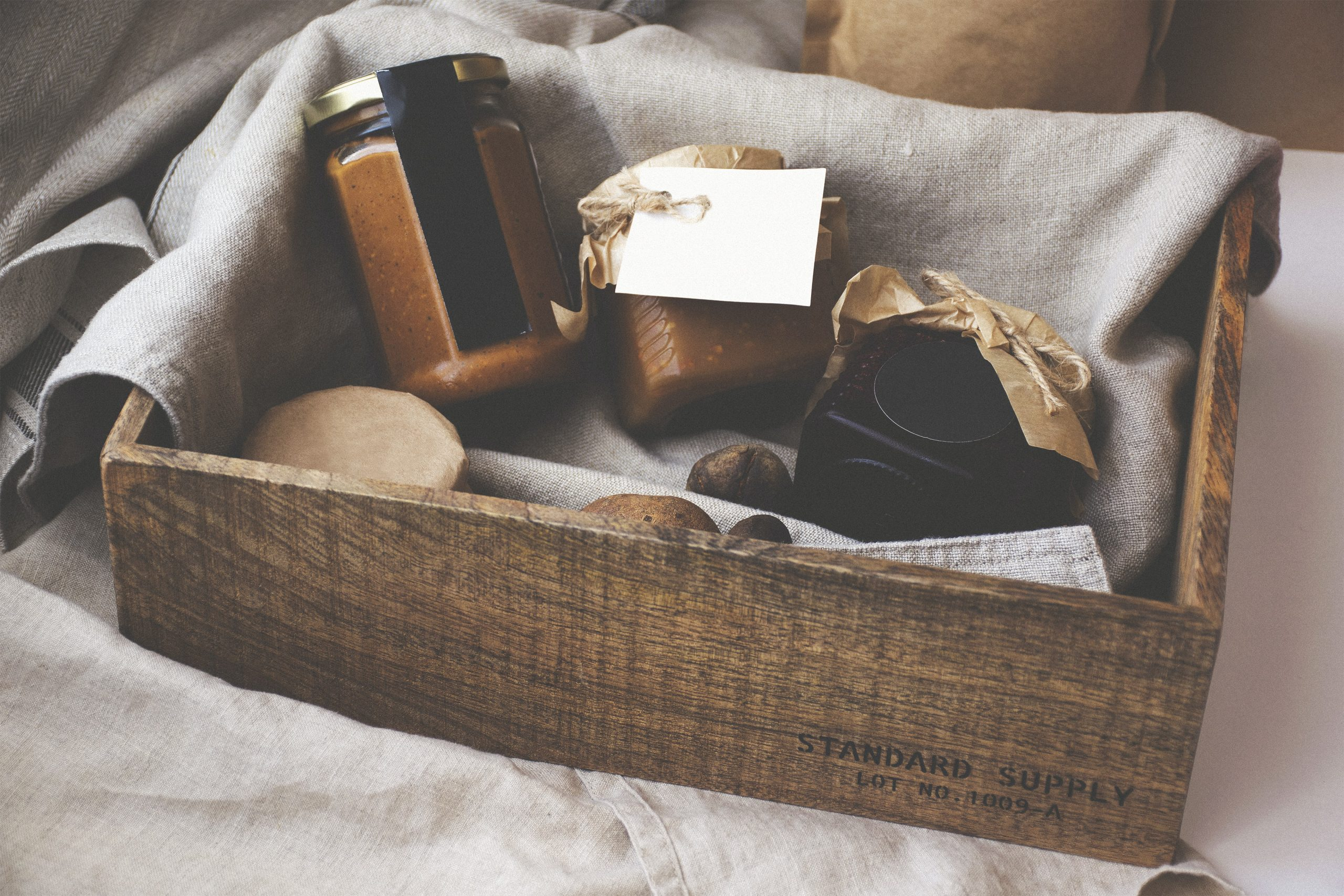 reasons to give gift hampers