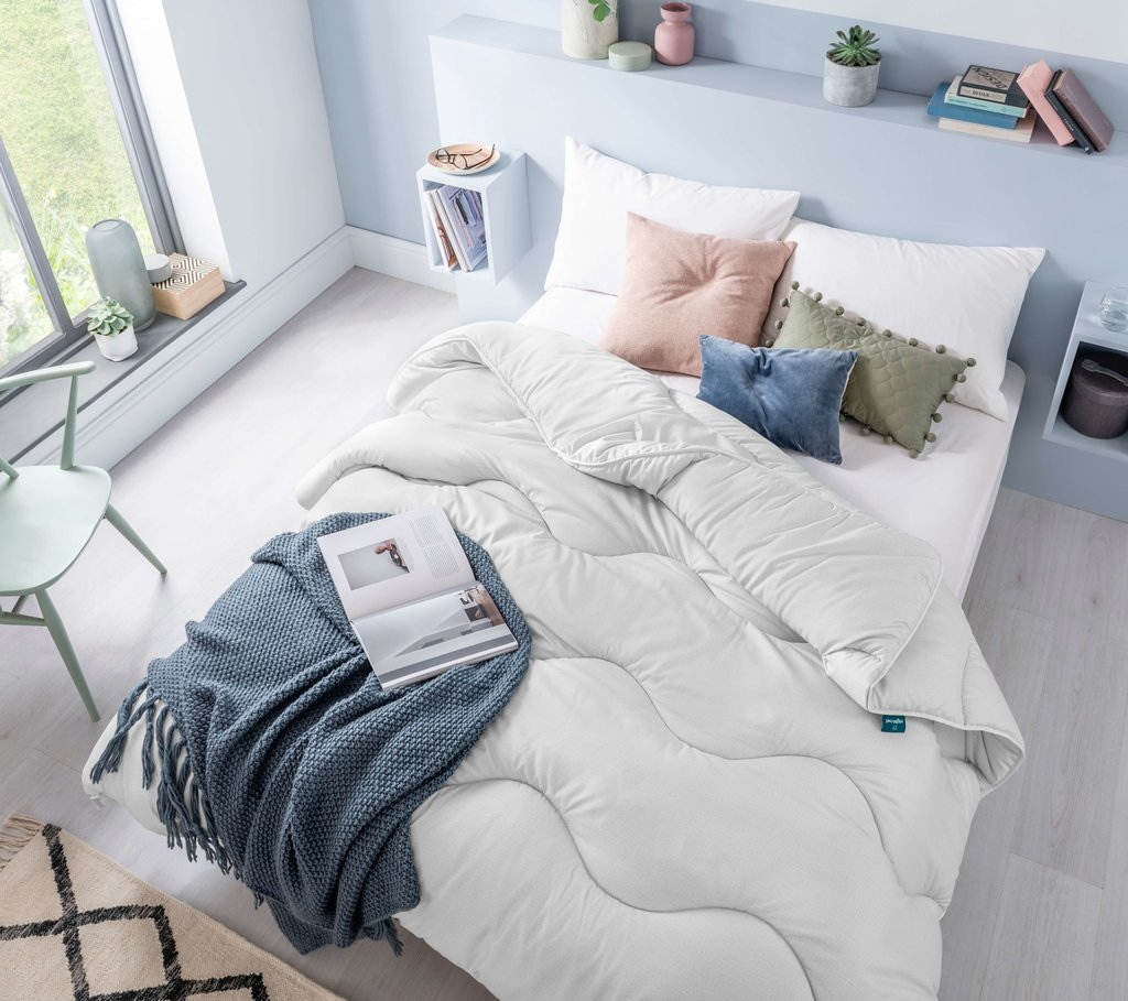 How to create a minimalist bedroom