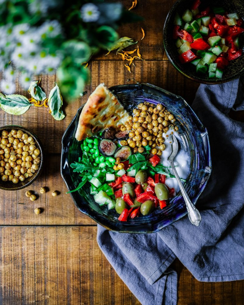 6 Ways to Host a Party for Vegans
