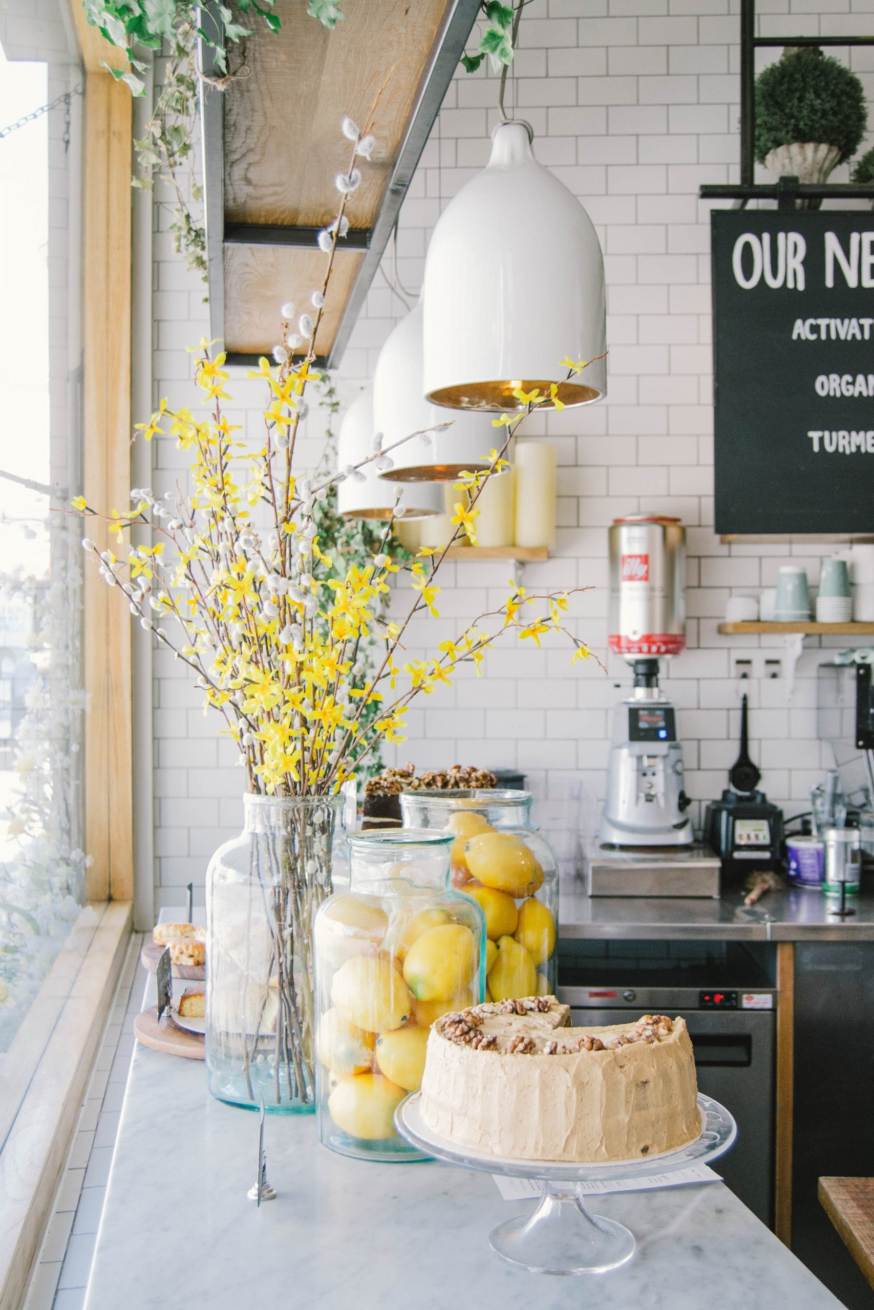 Ways To Add Colour To Your Indoor Décor