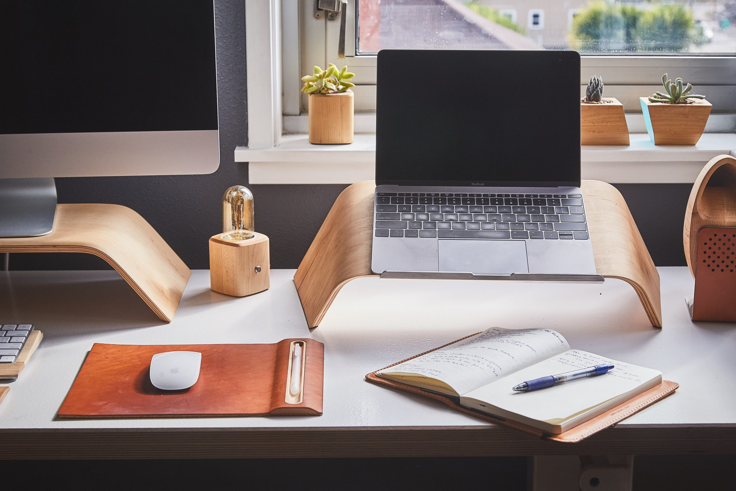 Amazing Design Ideas to Make Your Home Office More Comfortable