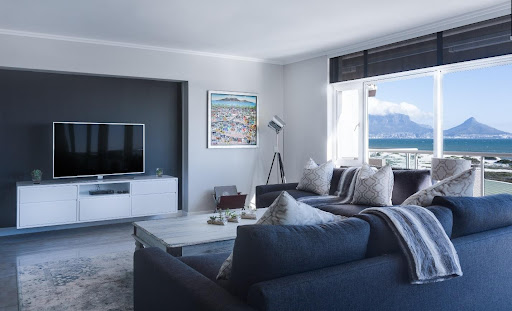 How to Select the Right TV for your Living Room